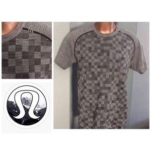 LULULEMON | DAMIER PRINT Men's SS Crew Size Medium